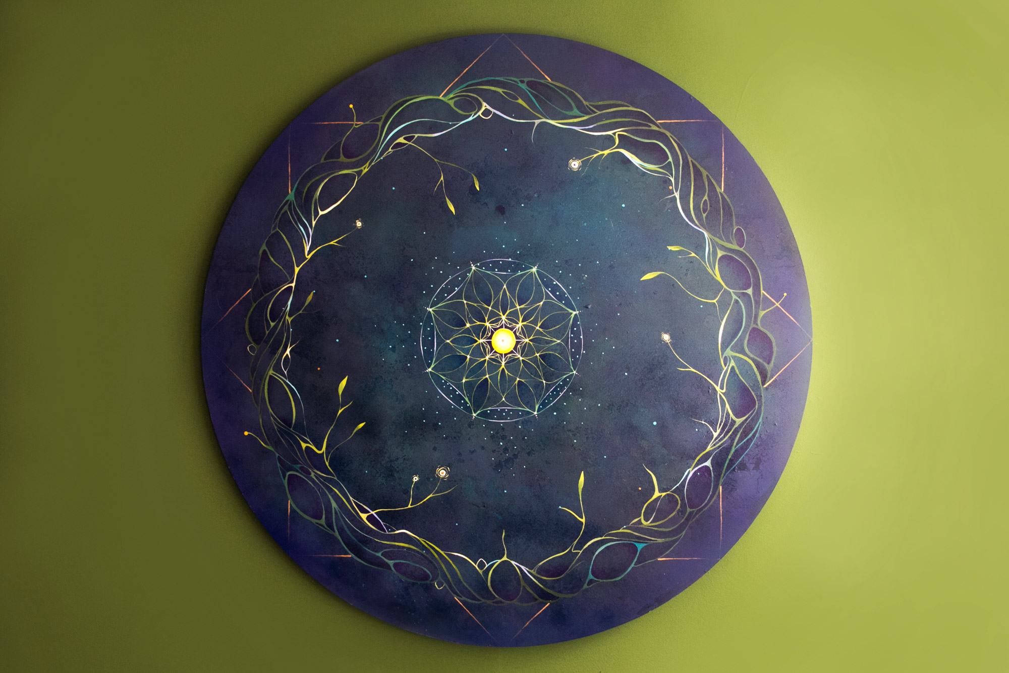 La estrella de la abundancia. Acrílico sobre madera / 120 x 120 cm.